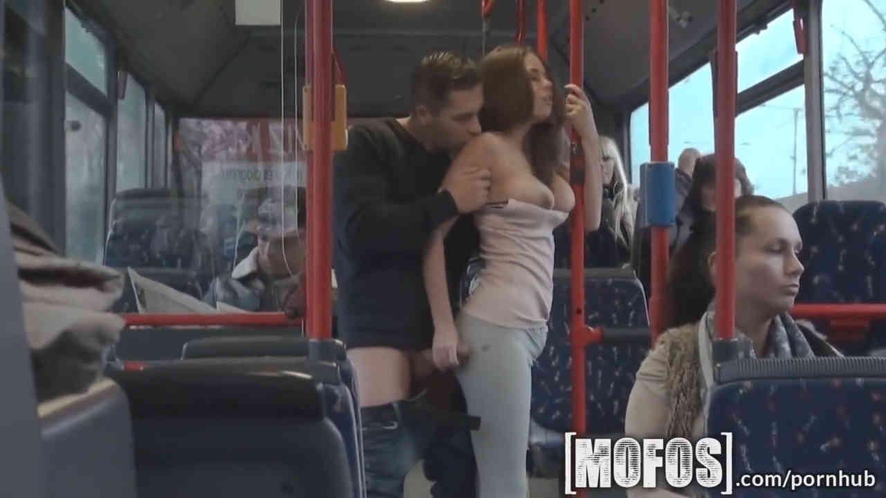 Парень в транспорте лапает девушку смотреть онлайн — 9